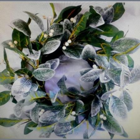 55cm Green and White Leaf Christmas Wreath with White Berries