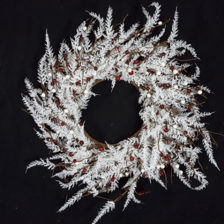 66cm White Leaf with Red Berry Christmas Wreath